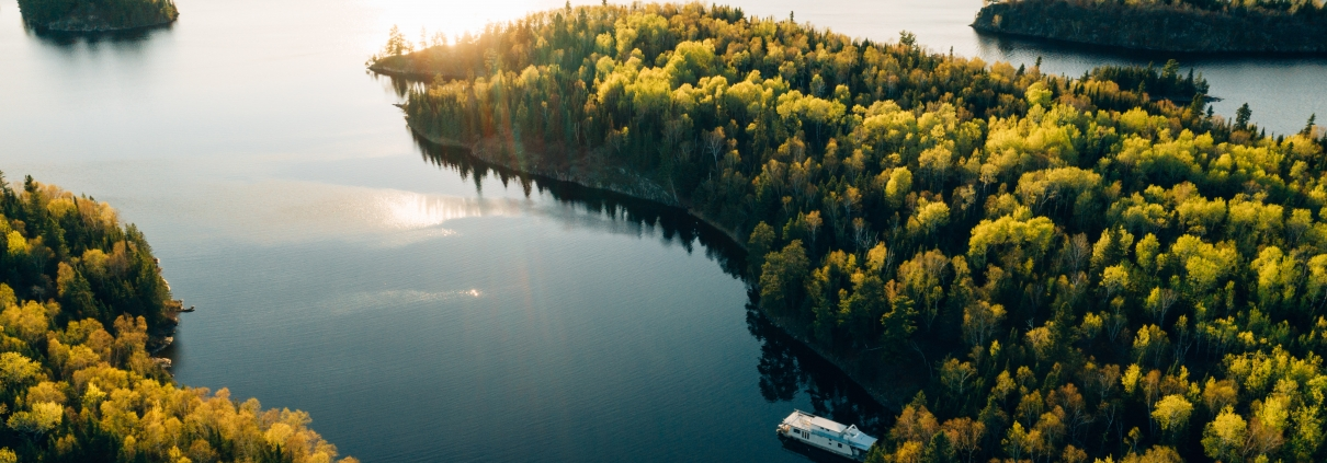 Find the ultimate private beach on your Lake of the Woods houseboat trip.